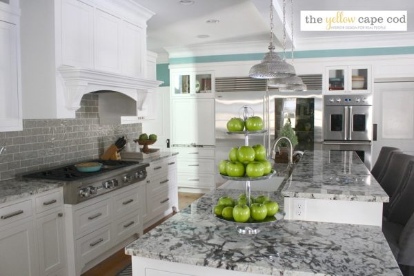kitchen decorating ideas and designs Remodels Photos The Yellow Cape Cod Detroi Michigan United States home-design-001