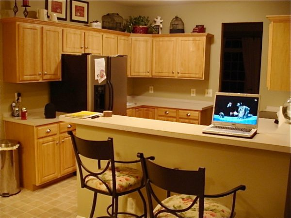 kitchen decorating ideas and designs Remodels Photos The Yellow Cape Cod Detroi Michigan United States traditional