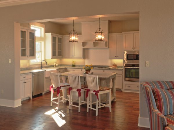 kitchen decorating ideas and designs Remodels Photos comforts of home Granbury Texas United States craftsman
