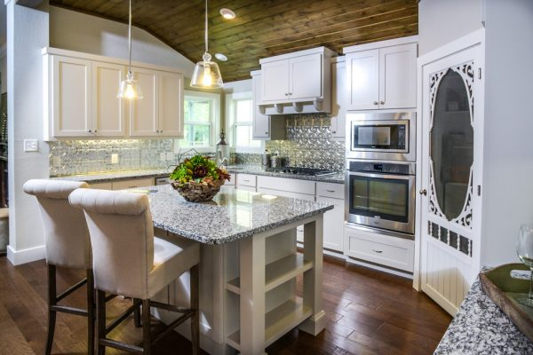 kitchen decorating ideas and designs Remodels Photos comforts of home Granbury Texas United States farmhouse-kitchen