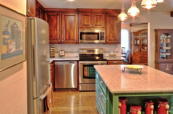 kitchen decorating ideas and designs Remodels Photos comforts of home Granbury Texas United States traditional-kitchen