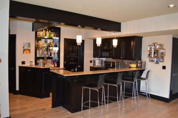 kitchen decorating ideas and designs Remodels PhotosMadi Mali Homes, LLC Overland Park Kansas United States transitional-home-bar-001