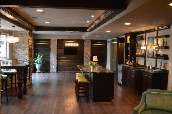 kitchen decorating ideas and designs Remodels PhotosMadi Mali Homes, LLC Overland Park Kansas United States transitional-home-bar-002