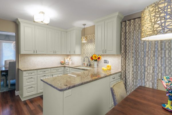 kitchen decorating ideas and designs Remodels Photos Alison Besikof Custom DesignsChicagoIllinois United States traditional-kitchen