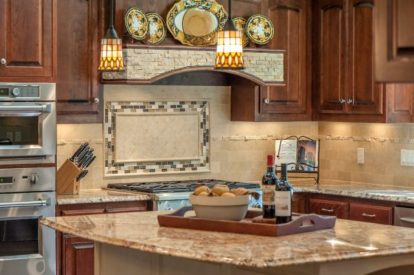 kitchen decorating ideas and designs Remodels Photos Associate Interiors Dallas Texas United States traditional-kitchen-001
