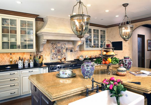 kitchen decorating ideas and designs Remodels Photos Fernando Diaz & Associates Sherman Oaks California United States mediterranean-kitchen-001