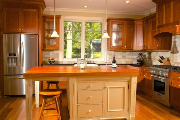 kitchen decorating ideas and designs Remodels Photos Impeccably Done Skaneateles New York United States traditional-kitchen