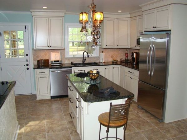 kitchen decorating ideas and designs Remodels Photos Mise en Place Design Bremerton Washington United States traditional-kitchen