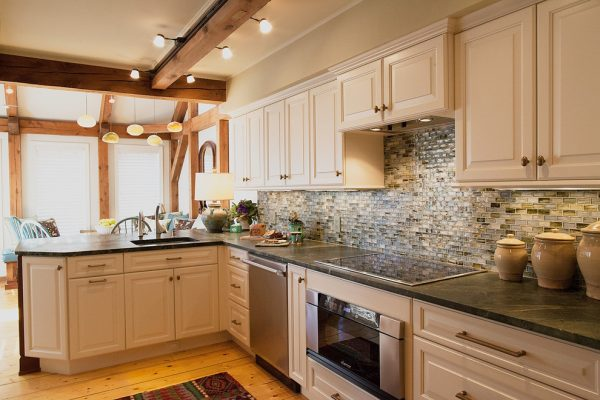 kitchen decorating ideas and designs Remodels Photos Sally Scott Interior Designer Guilford Connecticut United States traditional-kitchen-001