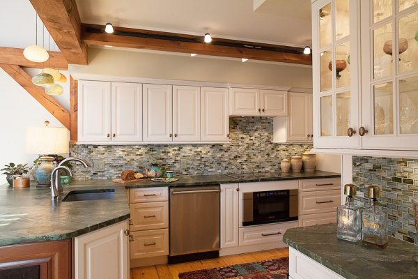 kitchen decorating ideas and designs Remodels Photos Sally Scott Interior Designer Guilford Connecticut United States traditional-kitchen-002