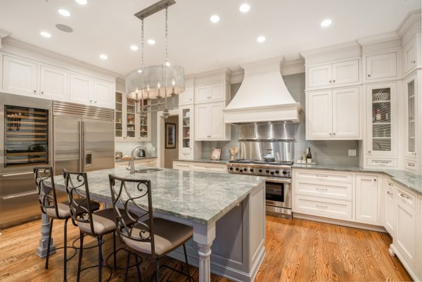 kitchen decorating ideas and designs Remodels Photos Savvy Cabinetry by Design Seattle Washington United States traditional-kitchen-002