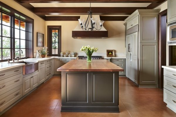 kitchen decorating ideas and designs Remodels Photos Savvy Cabinetry by Design Seattle Washington United States traditional-kitchen
