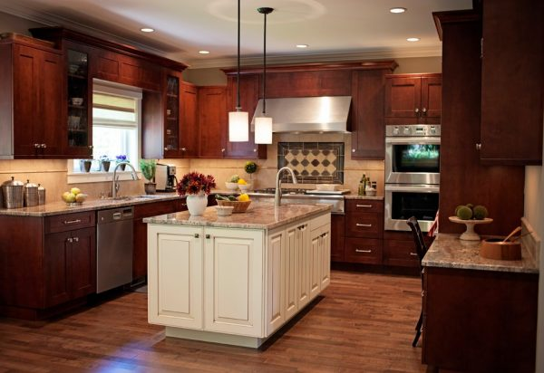 kitchen decorating ideas and designs Remodels Photos Sheila Mayden Interiors Kent Washington United States craftsman-kitchen