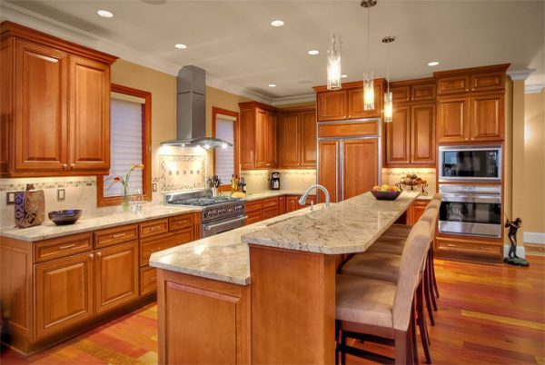 kitchen decorating ideas and designs Remodels Photos Sheila Mayden Interiors Kent Washington United States traditional-kitchen