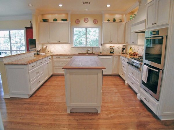 kitchen decorating ideas and designs Remodels Photos Village Interior Design LLC Austin Texas United States traditional-kitchen-001