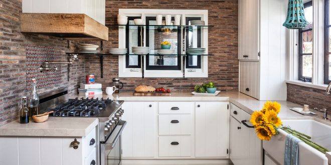 kitchen decorating ideas and designs Remodels Photos lisa gutow design Laguna Beach California United States eclectic-kitchen-001