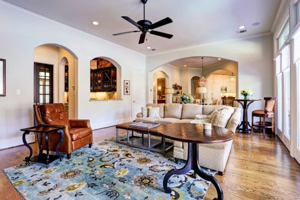 living room decorating ideas and designs Remodels Photos Alan Kosa Interiors Pacific Palisades Los Angeles, California United States traditional-001