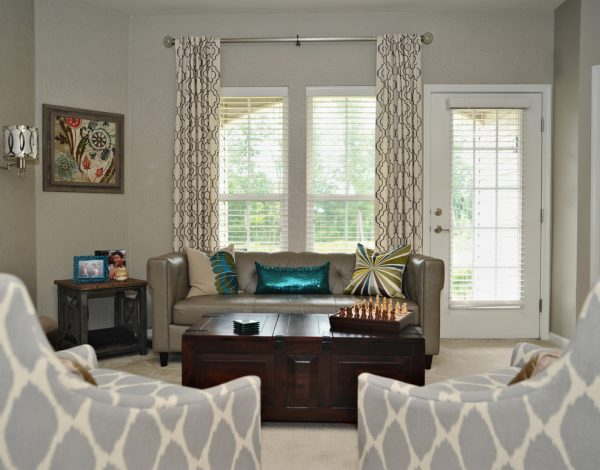 living room decorating ideas and designs Remodels Photos April Force Pardoe Interiors Elkridge Maryland United States transitional-living-room