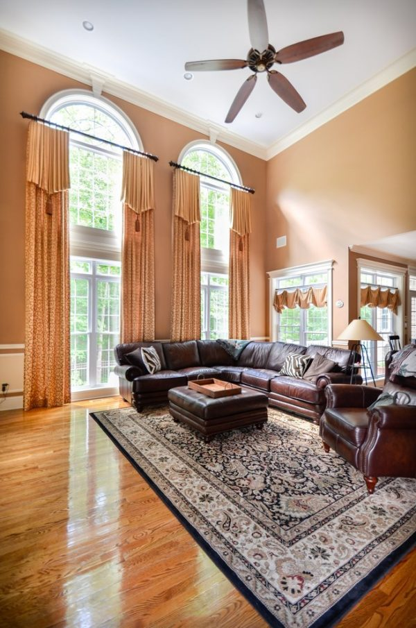 living room decorating ideas and designs Remodels Photos Curtain Call Woodbridge Connecticut United States traditional-family-room-002