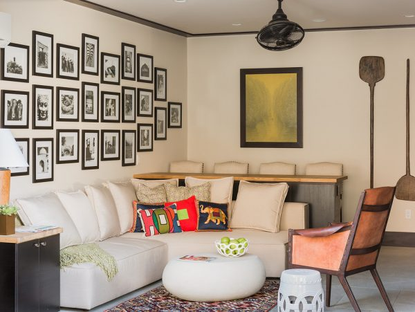 living room decorating ideas and designs Remodels Photos Elizabeth Home Decor & Design, Inc Chestnut Hill Massachusetts transitional-porch