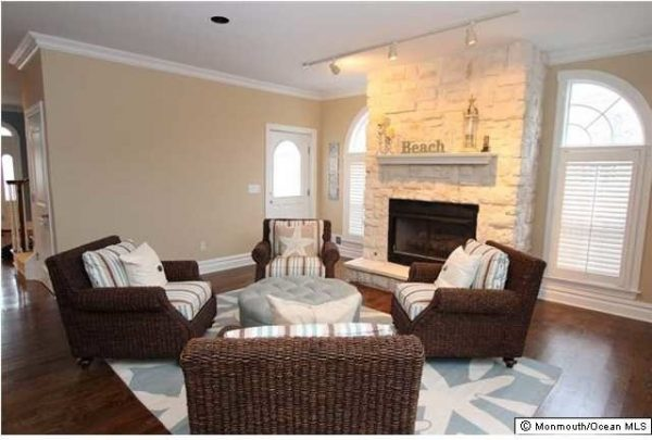 living room decorating ideas and designs Remodels Photos Lori Levine Interiors, Inc. Basking Ridge New Jersey United Statesbeach-style-living-room