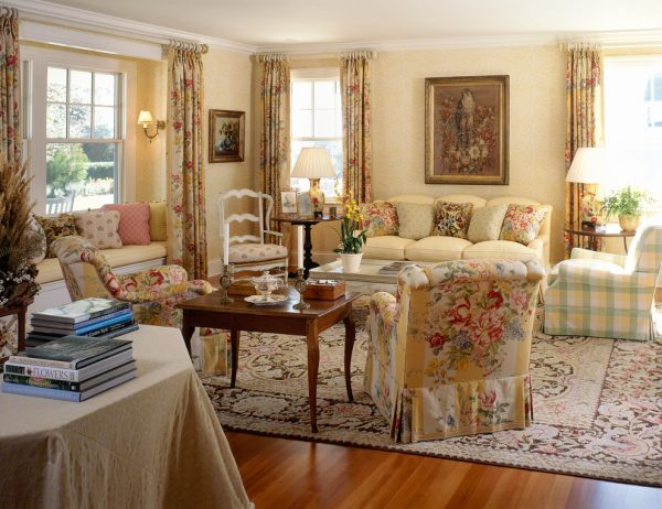 living room decorating ideas and designs Remodels Photos MICHAEL WHALEY INTERIORS, INC New York United States traditional-living-room
