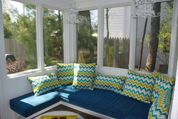 living room decorating ideas and designs Remodels Photos Shaker Interiors Shaker HeightsOhio United States traditional-porch-001