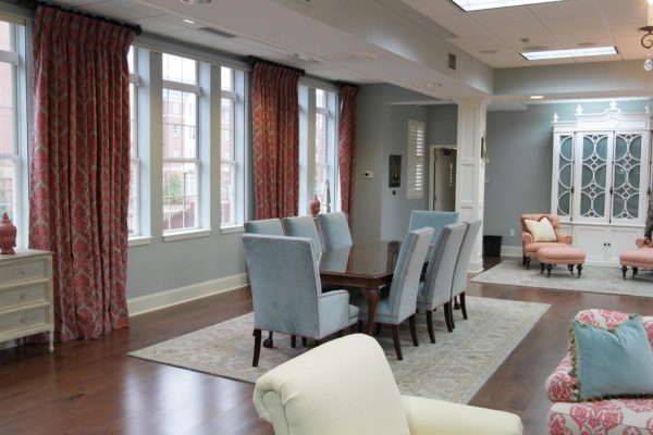 dining-room-decorating-ideas-and-designs-remodels-photos-lm-interior-design-auburn-alabama-united-states-family-room-004