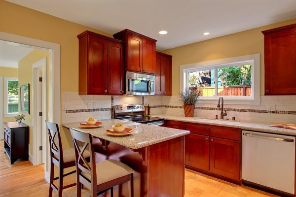 kitchen decorating ideas and designs Remodels Photos ColorWhiz Architectural Color Consulting Seattle Washington craftsman-kitchen-001