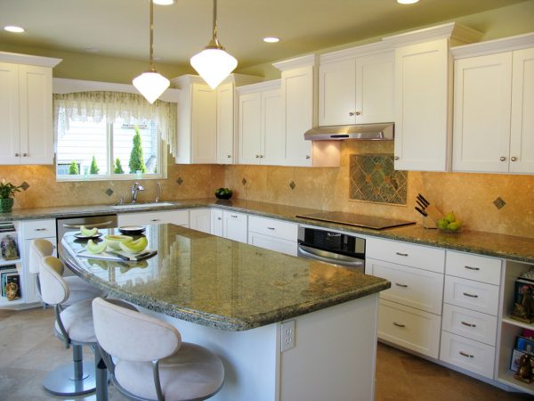 kitchen decorating ideas and designs Remodels Photos ColorWhiz Architectural Color Consulting Seattle Washington transitional-kitchen-002