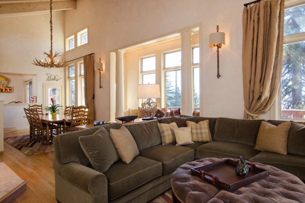 living room decorating ideas and designs Remodels Photos AYI & ASSOCIATES Carmel-by-the-Sea California United States rustic-family-room