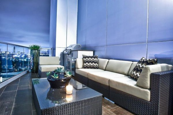 living-room-decorating-ideas-and-designs-remodels-photos-pearl-design-houston-texas-united-states-contemporary-deck