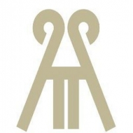 Interior Designer & Decorator : Armadio Kitchen Bath Ltd.