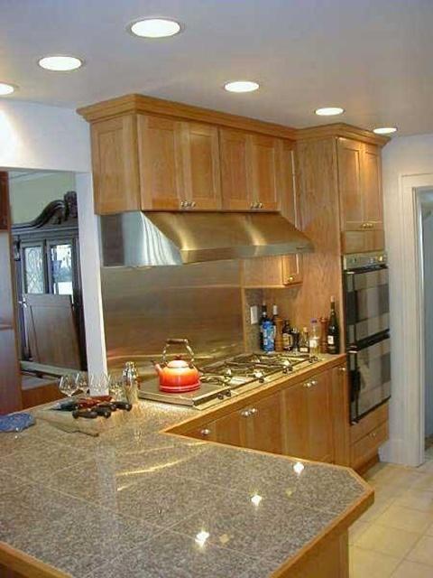 Kitchen Backsplash tiles colors Ideas 2