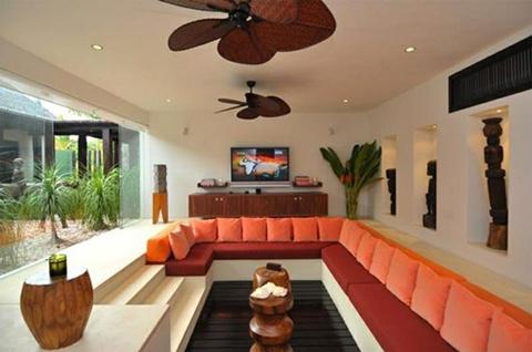 Living Room Interior Design Ideas 22