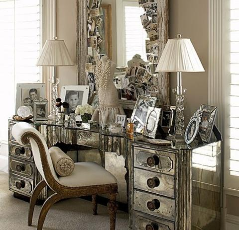 Mirrored Furniture in the Bedroom 1