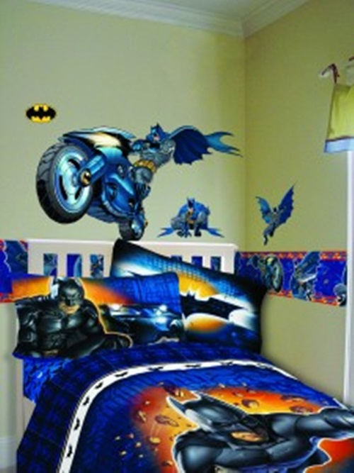 How to Decorate Your Son\'s Bedroom in a Batman Theme