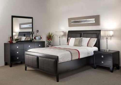 How to Decorate a Bedroom with Black Lacquer Furniture