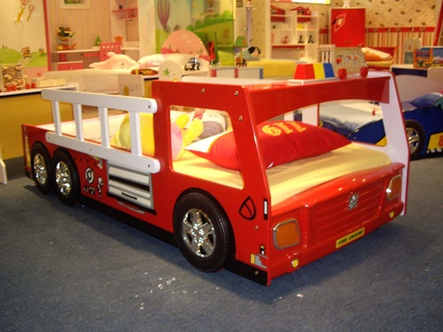 Decorating kids Bedroom Using the Theme of Cars