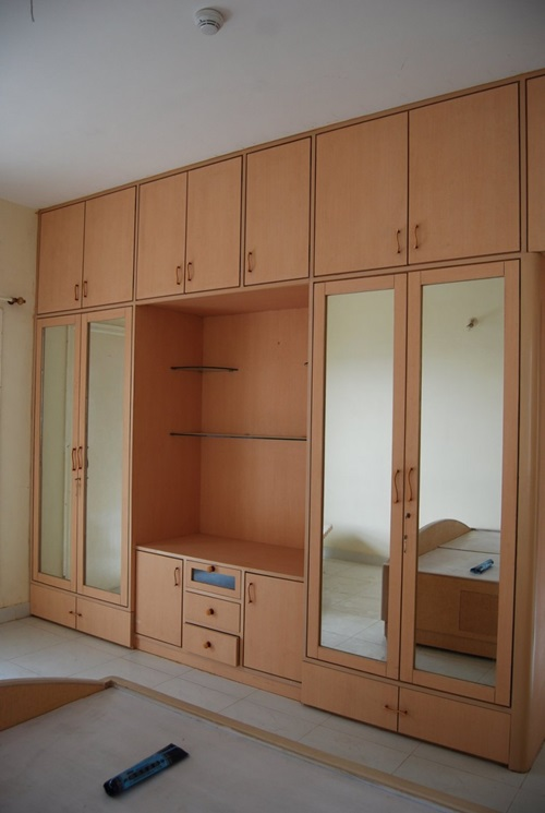 Modern wardrobes for contemporary bedrooms for Bedroom wardrobe design pictures