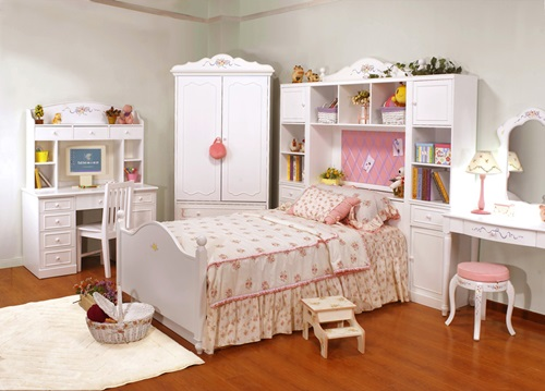 Wooden Furniture for Kids and Teens Rooms