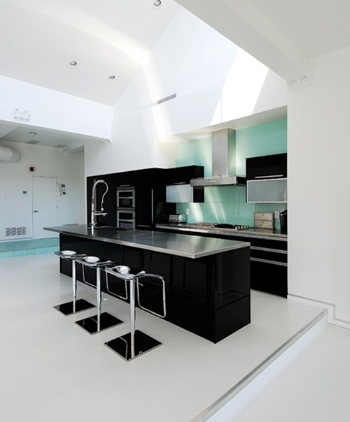 Black and White Kitchens – Design Ideas