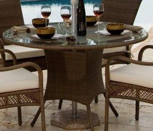 Elegant outdoor furniture set with adjustable coffee table