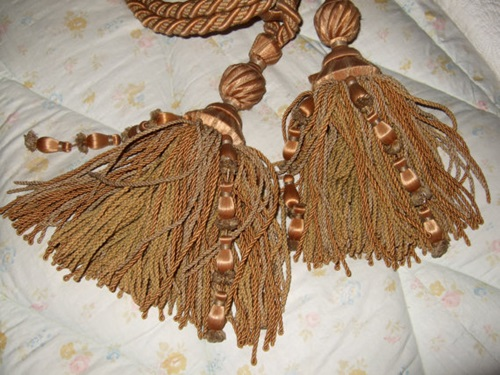 Tiebacks, tassels and fringes.... The cherry on top!