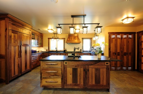 Charming rustic and contemporary kitchen