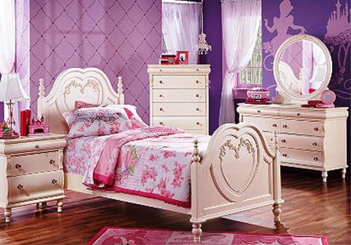 For your little princess a beautiful designs for her bedroom.