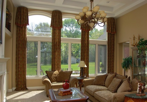 Gorgeous Treatments and Curtains for Top Windows