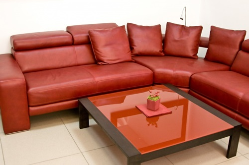 Important Information About How To Choose & Maintain Leather Furniture