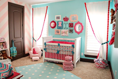 The importance of decorating a colorful kids room – blue and pink theme