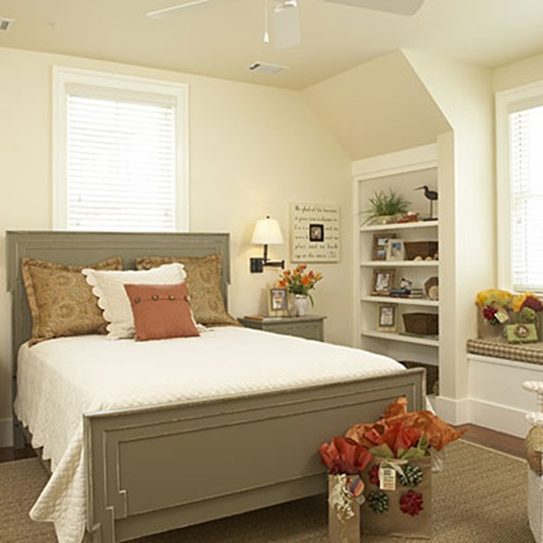 welcoming small guest rooms decorating ideas interior design. Black Bedroom Furniture Sets. Home Design Ideas